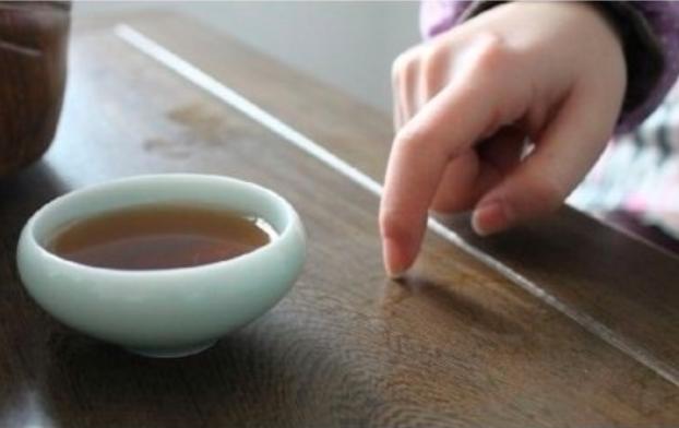 教你喝茶5个要点学会茶桌礼仪-最全茶桌礼仪在整理